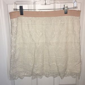 American eagle white/cream crochet skirt
